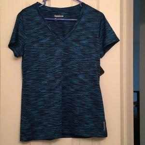 Tops - Reebok t shirt